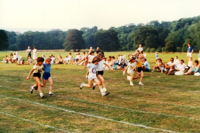 marple brownies sports day july 1983 brabyns park 640V1
